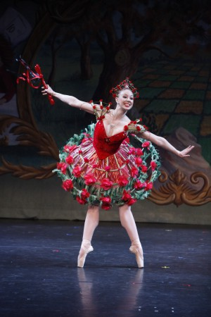 BWW Reviews: New York Theatre Ballet Leaps Through the Looking Glass<br />